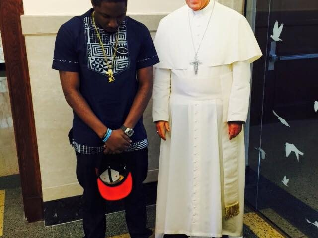 How real is stanley Enow 's five years photo with the pope?
